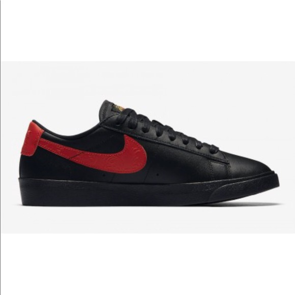 new style f3a72 eab54 NIKE BLAZER LOW F WOMENS SHOES SIZE 10 BLACK RED
